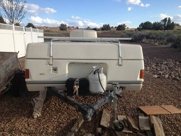 Coleman Pop up Trailer - $2500 (Snowflake)