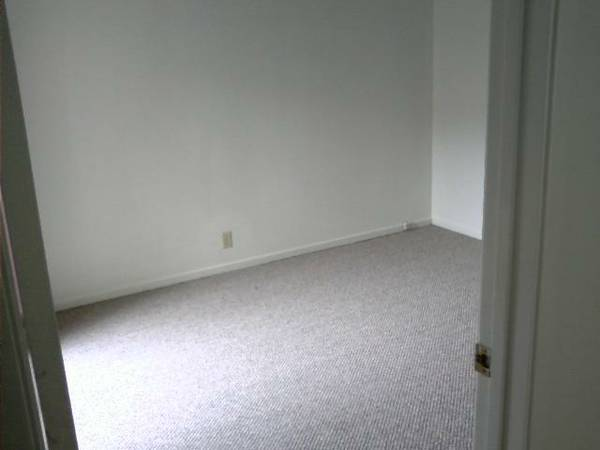 - $695 Med Sz Rm wPriv Entrance in Comfortable Home- (SLO near Broad)