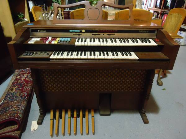 ORGAN - Thomas Californian 261 Organ with Storage Bench - Works Great - $295 (Morro Bay)
