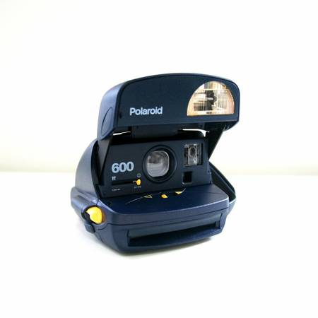 Polaroid Onestep Express 600 camera - $10 (Morro Bay)
