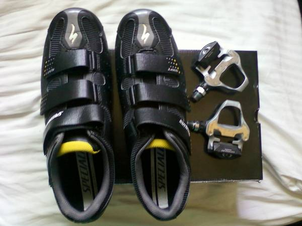 Specialized Road Shoes w Ultegra Pedals - $150
