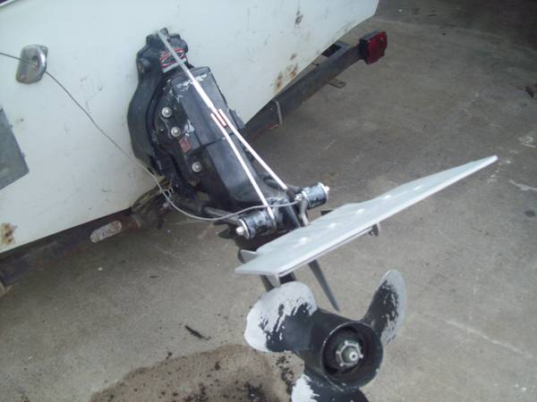 Inboard motor and outdrive 120 HP Mercruis thunderbird 71  parting out - $1 (Stockton. Lodi. Galt, Sac.)