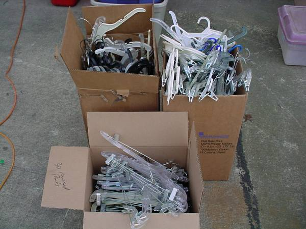 App. 200 comm. Clothes and Pant Hangers, Thrift Store Fleamarket etc (Stockton, near Hwy 99, Cherokee Exit)
