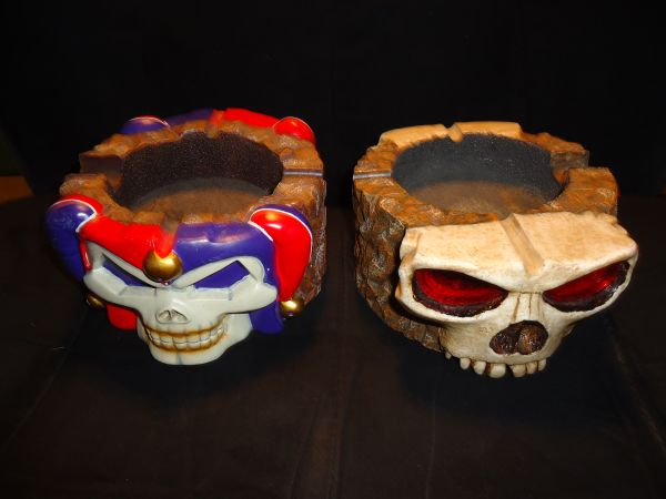 4 NEW LED EYES SKULL ASHTRAYS CREATIONS   SKULL GOTHIC ASHTRAYS  - $20 (LATHROP,CENTRAL VALLEY , BAY AREA )