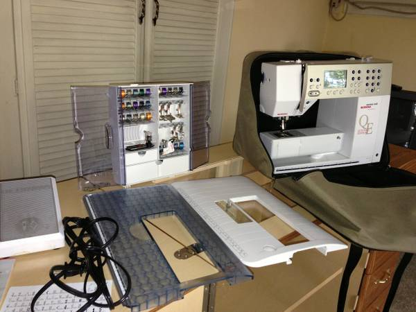 Bernina 440QE with BSR and Horn cabinet - $2800 (West San Fernando Valley)
