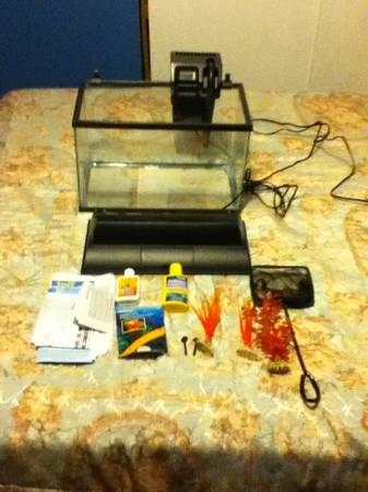 5 gallon fish tank cheap - $25 (Oxnard )