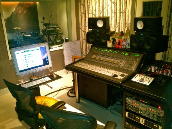 Need affordable yet pro recordings Nice Studio open to beat any rate - $25 (off 101 )