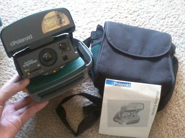 Polaroid 600 One Step Express Closeup Camera - $25 (Ventura)