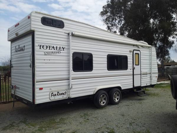 Fun Runner Toy Hauler 24 - $8500 (ivanhoe ca)