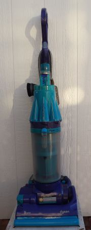 Price Reduced Dyson DC07  Rootcyclone Vacuum Cleaner with Animal Tool - $185 (Yuma-Foothills)